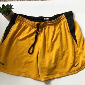 Nike Sphere athletic shorts 16-18 plus size